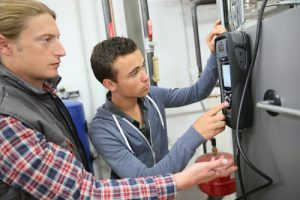 Heat Pump Repair: Why You Need to Hire a Professional HVAC Contractor